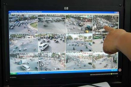 Xem lại hành trình vứt xác của bác sỹ Tường thông qua camera VOV giao thông trên các tuyến đường mà hung thủ đi, có thể tìm ra nhiều manh mối mới.