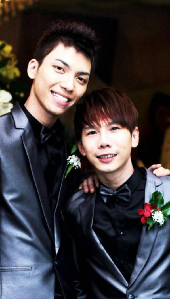Để đến bến bờ hạnh phúc, cặp đôi đồng tính nam Nel và Pin đã trải qua nhiều gian nan.