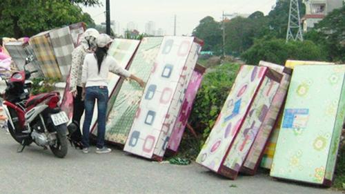 Chăn siêu rẻ giá 50.000 đồng tại Hà Nội