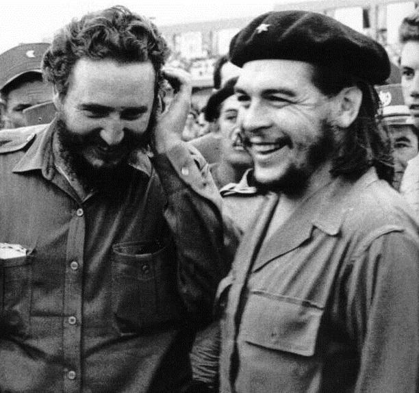 Che và người bạn thân Fidel Castro.