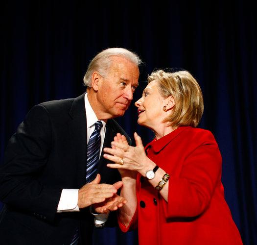 Phó tổng thống Mỹ Joseph R. Biden và cựu ngoại trưởng Hillary Rodham Clinton.