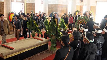 Tang lễ không quan tài của nạn nhân Lê Thị Thanh Huyền.