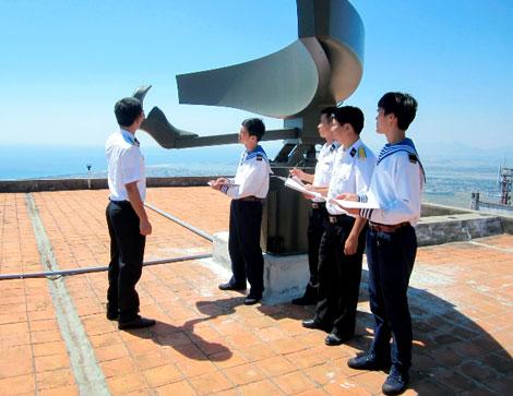 Hệ thống radar ngoài chân trời Coast Watcher 100 (CW-100)
