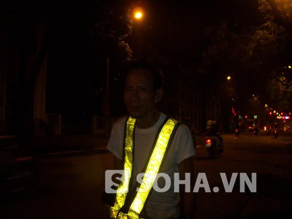 Công việc lúc 0 đêm chờ đoàn xe tang đưa Đại tướng đi qua