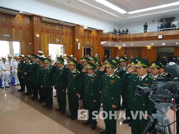 Những người lính áo xanh trong lễ viếng Đại tướng.