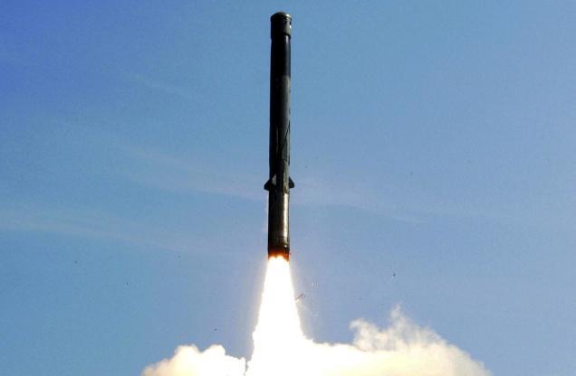 Đạn tên lửa BrahMos khai hỏa