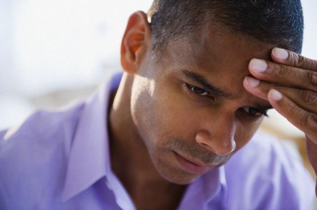 4 triệu chứng của bệnh đau đầu khi