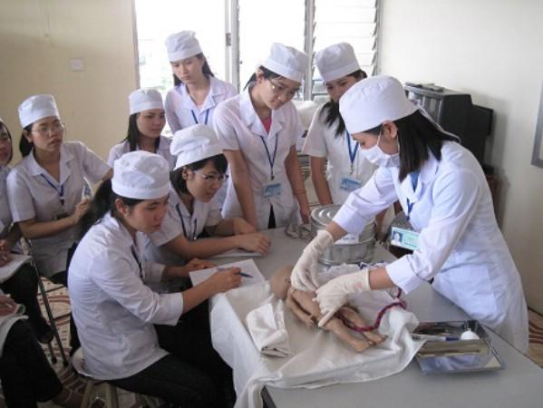 Theo Thứ trưởng Bộ Y tế Nguyễn Viết Tiến cho rằng nguồn nhân lực y tế vẫn còn thiếu. (ảnh minh họa).