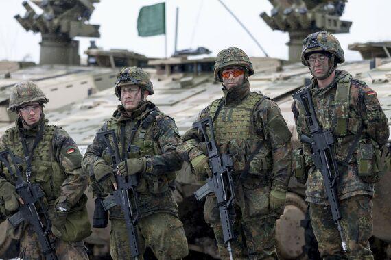 """Xem lục quân Đức-Pháp """"ầm ầm"""" tập trận Feldberg 2013"""