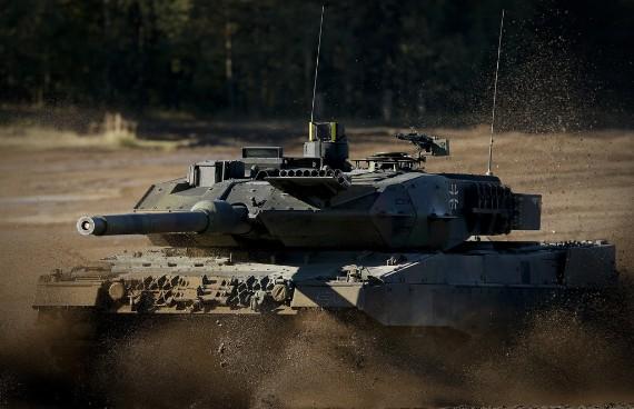 Siêu tăng Leopard 2A6 quân đội Đức tập trận
