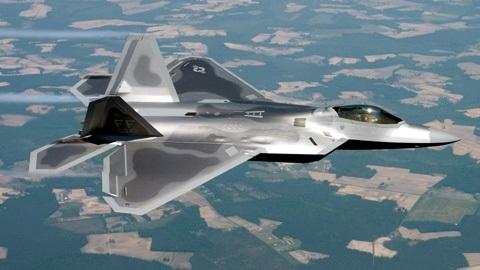 F-22 Raptor máy bay tối tân nhất của Mỹ đã được điều tới Okinawa