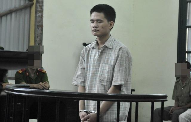 Bị cáo Vũ Văn Thành bình thản nghe tuyên án (Ảnh: Tuấn Nam)