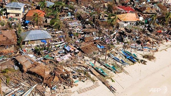 Philippine tan hoang sau siêu bão Haiyan, đây là thời điểm họ cần sự chung tay của cộng đồng quốc tế để khắc phục hậu quả.