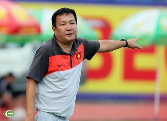 Sau nhiều tranh cãi, VFF vẫn quyết định kí hợp đồng 2 năm với HLV Hoàng Văn Phúc