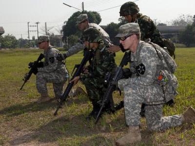 Cận cảnh lính Mỹ-Thái tấn công đổ bộ bờ biển Hat Yao