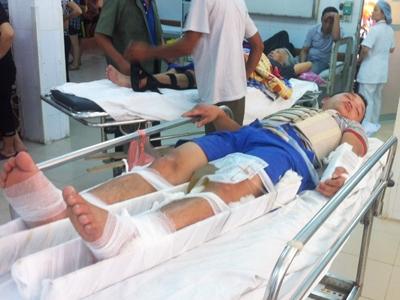 Bệnh nhân Huấn bị đa chấn thương, đang cấp cứu tại BV Việt Đức.