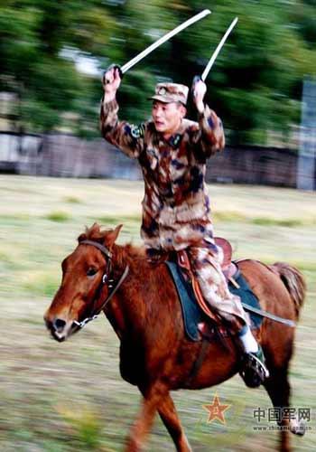 Công tác đào luyện của tiểu đoàn kỵ mã này cũng được diễn ra khá thường xuyên như những lực lượng quân đội chính quy khác của TQ.