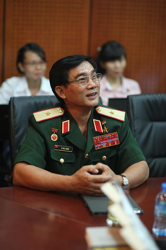 Thiếu tướng, anh hùng lực lượng vũ trang Lê Mã Lương. Ảnh: Hoàng Hiển