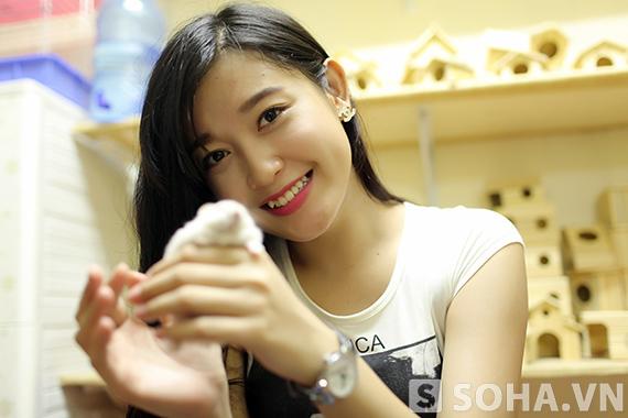Siêu mẫu Huyền My khoe thú cưng là đàn chuột Hamster dễ thương