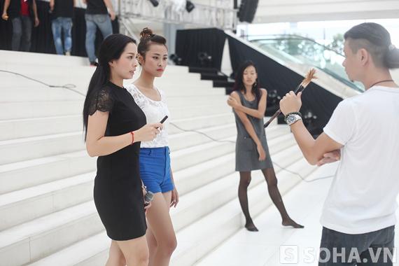 Cựu người mẫu Thuý Hằng miệt mài dạy dỗ đàn em
