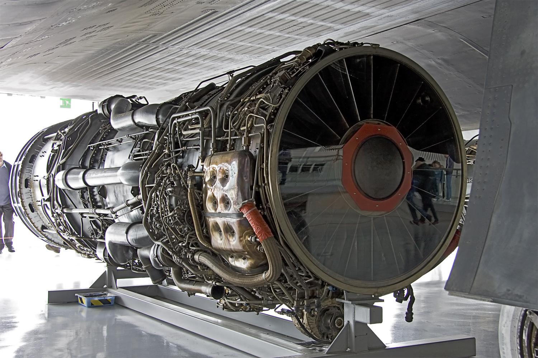 Mỗi chiếc SR-71 được trang bị 2 động cơ phản lực J-58 nên đạt được tốc độ cực nhanh