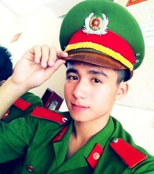 Hiếu, hiện đang theo học ngành Cảnh sát Kinh tế tại Học viện Cảnh sát Nhân dân, Hà Nội.