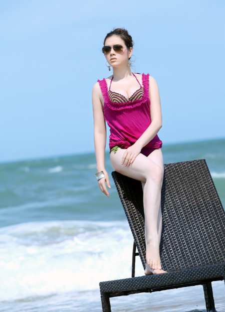 Hình ảnh bikini muốn ngắm nhất của Lý Nhã Kỳ