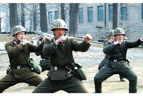 Đặc nhiệm là 1 trong 5 quân chủng của quân đội Triều Tiên