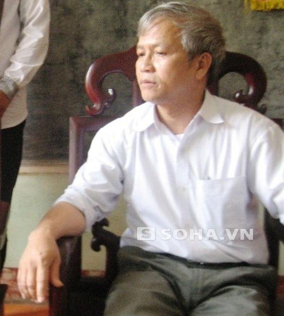 Thầy Nguyễn Văn Hãnh - phó Hiệu trưởng Trường THPT Đinh Chương Dương.