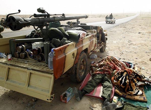 M40 đã được phiến quân Libya và Syria độ lại theo kiểu như thế này để tăng khả năng cơ động.