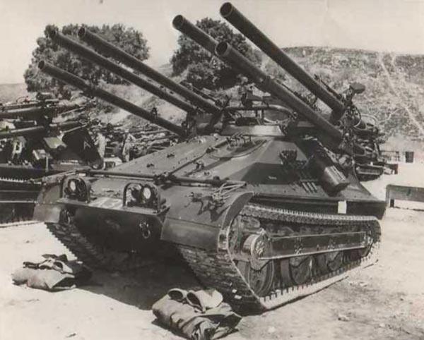 Quái tăng M50A1 với 6 khẩu súng không giật M40 từng được Mỹ sử dụng trong chiến tranh Việt Nam.