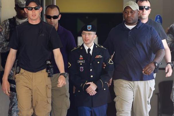 Binh nhất Manning..