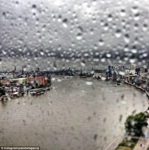 ... và ngày mưa