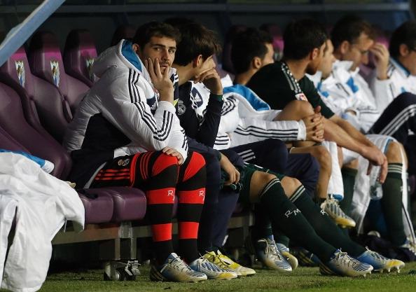 Casillas đang phải quen dần với băng ghế dự bị