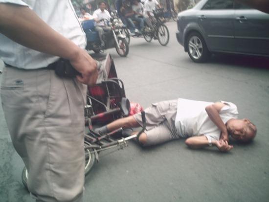 Những hình ảnh vô cảm như thế này ngày càng phổ biến ở Trung Quốc