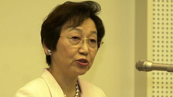 Đi Trung Quốc về, nghị sĩ cấp cao Nhật mất chức