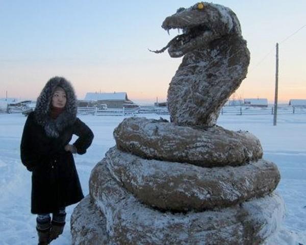 """Những """"con rắn"""" khổng lồ bất thường chào năm Quý Tỵ"""