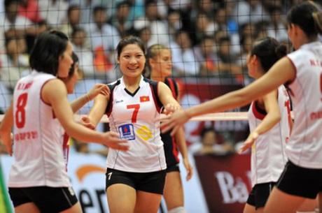 Các nữ VĐV bóng chuyền Việt Nam bị một phen nhớ đời