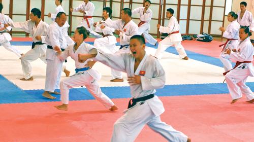 VĐV Karatedo cũng khốn khổ vì ngộ độc thực phẩm