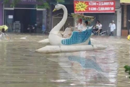 Khi phố biến thành sông