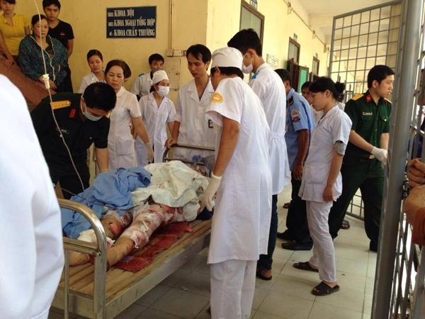 Số người chết mỗi ngày một tăng sau vụ nổ tại nhà máy Z4 thuộc Công ty Z121 của Bộ Quốc Phòng trên địa bàn 2 xã Khải Xuân và Võ Lao, huyện Thanh Ba, Phú Thọ.