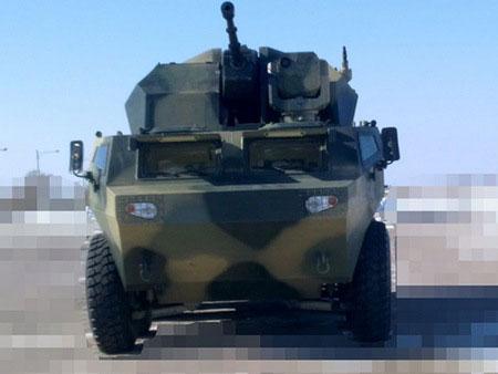 Pháo phòng không tự hành nòng đơn 35mm được đặt trên khung gầm xe bọc thép bánh lốp ZBL-09 8x8