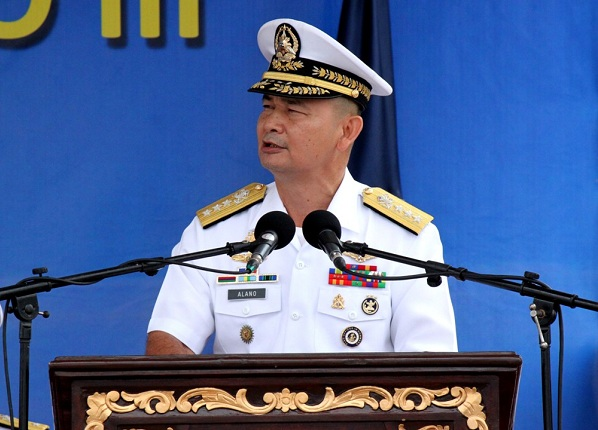 Phó đô đốc hải quân Philippines Jose Luis Alano.