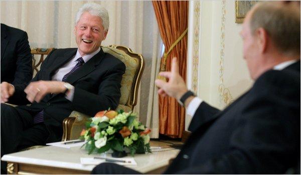 Ông Bill Clinton trong một cuộc gặp gỡ với Tổng thống Nga Putin.