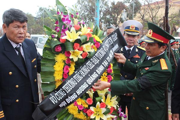 Những người con Quảng Bình từ TP. HCm ra viếng Đại tướng.