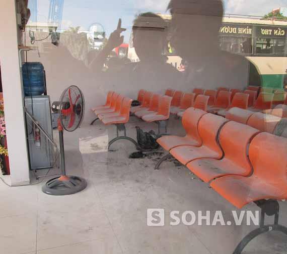 Cần Thơ: Nhà chờ xe khách Phương Trang phát nổ, 3 người bị