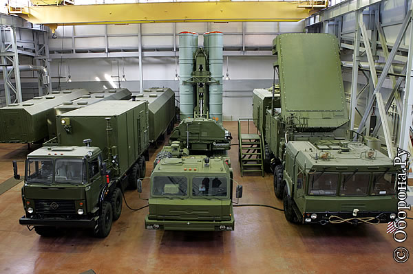 Tổ hợp S-400 được xem là trụ cột hệ thống phòng không tương lai của Nga
