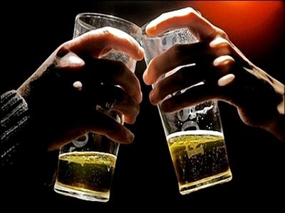 """16 bí quyết """"lận lưng"""" để tránh nguy cơ say xỉn"""