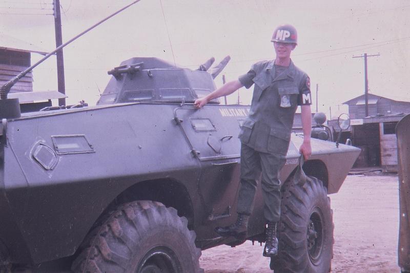 Quân cảnh Mỹ là lực lượng sử dụng V-100 nhiều nhất ở Việt Nam trước năm 1975