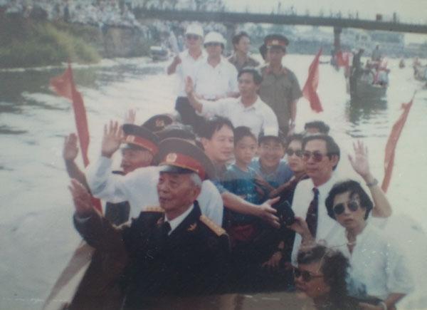 Những hình ảnh thân thương của Đại tướng với quê hương Quảng Bình